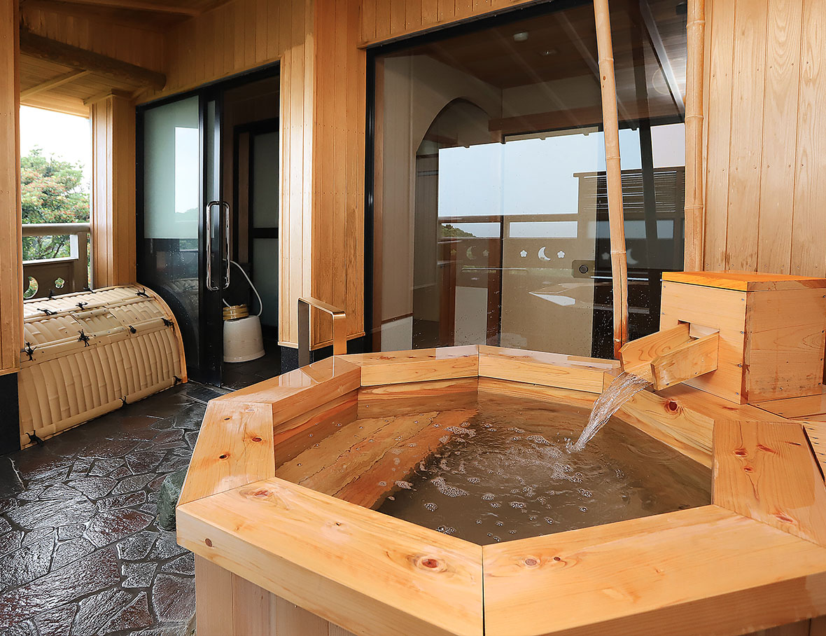 露天風呂付客室【月の華】1